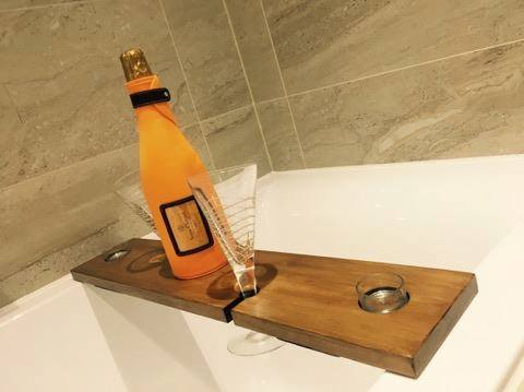 Woozlewood bath tray for 2 glasses